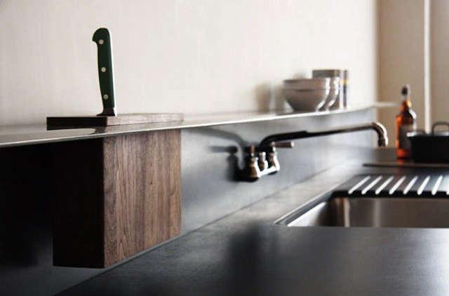 violaparkbacksplash-shelf-with-integrated-knife-block-from-viola-park-1