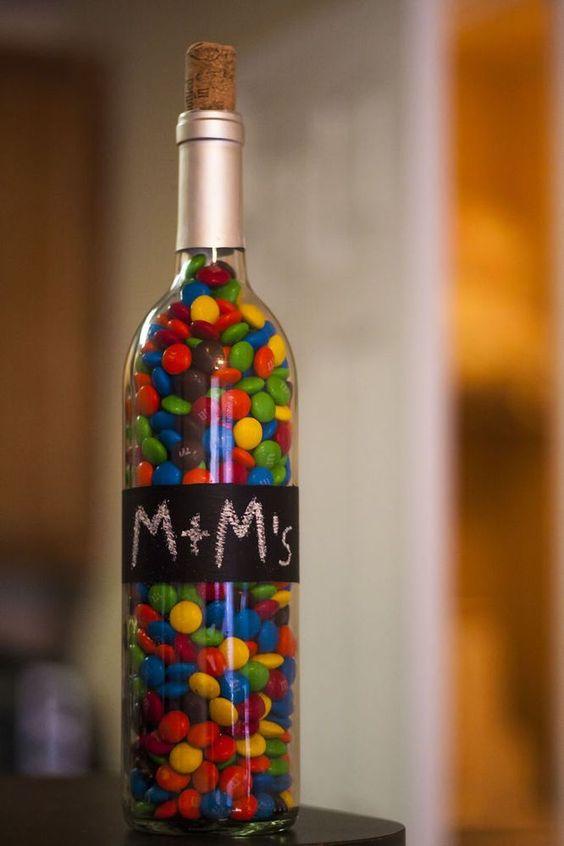 Botol dengan gula-gula