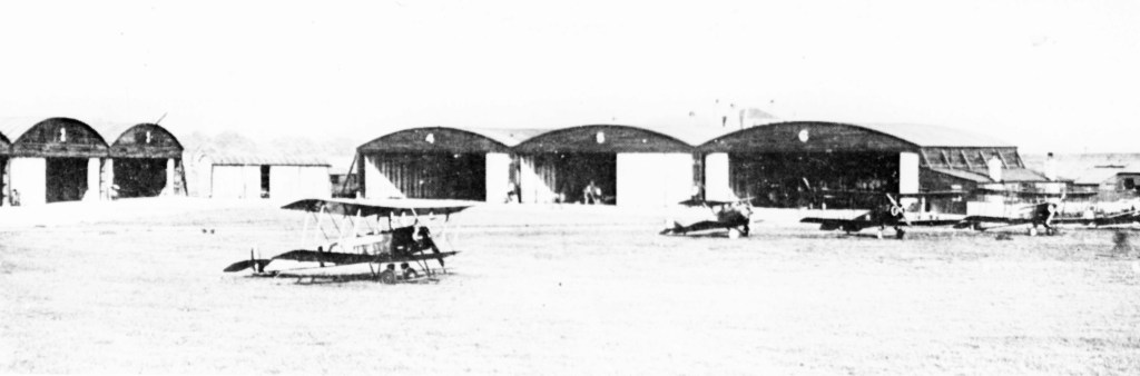 Joyce Green airfield had six hangers, close to the Long Reach Tavern. Image via Royal Air Force Museum.