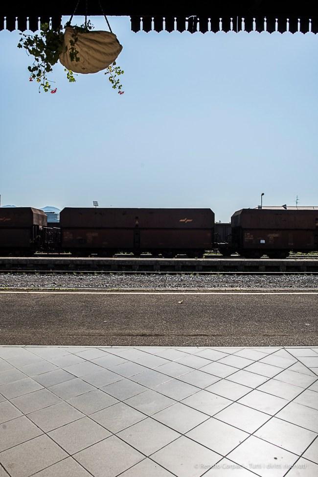 Nuova Gorica, stazione ferroviaria. Nikon D810, 24 mm (24.0 mm ƒ/1.4) 1/200 sec ƒ/8 ISO 64