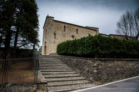 Garbagnate Monastero, Chiesa di S. Nazaro e S. Celso. Nikon 810, 24 mm (24-120.0 mm ƒ/4) 1/20 sec ƒ/8 ISO 64