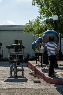 "Trinidad, Plaza Carrillo. Nikon D810, 82 mm (24-120.0 ƒ/4) 1/320"" ƒ/7.1 ISO 64"