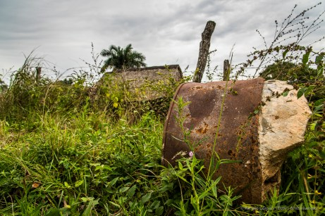 """Secador de tabaco with a barrel of concrete. Nikon D810, 32 mm (24-120.0 ƒ/4) 1/50"""" ƒ/8.0 ISO 200"""