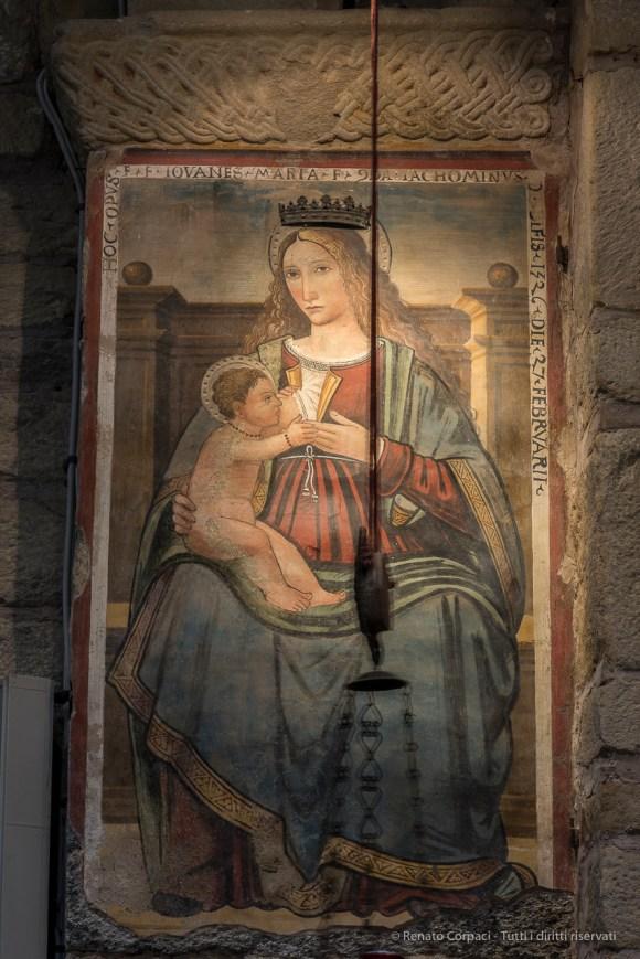 """""""Madonna del latte"""", inizio del XVI secolo. Nikon 810, 85 mm (85.0 mm ƒ/1.4) 1 sec ƒ/8 ISO 64"""