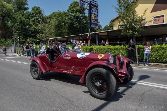 """Giordano Mozzi e Stefania Biacca sul terzo gradino del podio a bordo di una Alfa Romeo 6C 1500 Gran Sport del 1933. Nikon D810, 24 mm (24.0mm ƒ/1.4) ) 1/680"""" ƒ/4 ISO 64"""