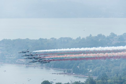 Air show. Manerba, Lake Garda 2016. Nikon D750, 400 mm (80-400.0 mm ƒ/4.5-5.6) 1/1600 ƒ/14 ISO 1000