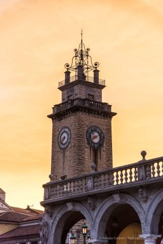 "Bergamo, Torre dei Caduti. Annual Kermesse «I Maestri Del Paesaggio» 2016. Nikon D810, 85 mm (24-120 mm ƒ/4) 1/200"" ƒ/4.0 ISO 560"