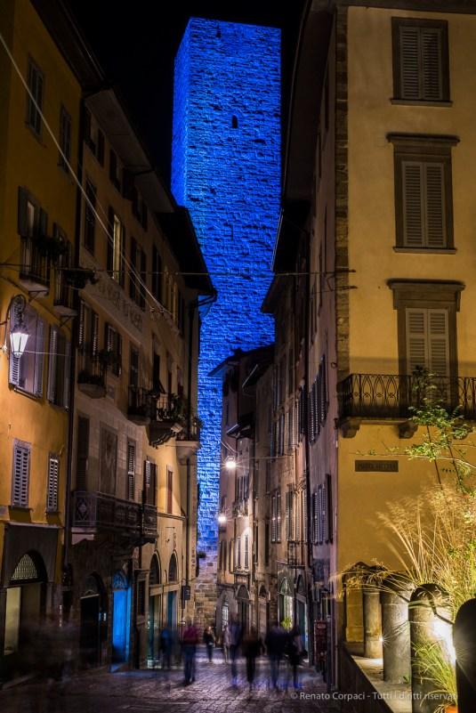 """Torre del Gombito. Bergamo Alta, Annual Kermesse «I Maestri Del Paesaggio» 2016. Nikon D810, 50 mm (0 mm ƒ/1.8) 2.5"""" ƒ/6.3 ISO 200"""
