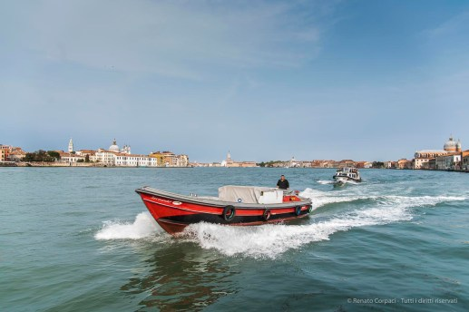 Venezia, Giudecca Canal. Nikon D810, 24 mm (24.0-120.0 mm ƒ/4) 1/160 ƒ/4.5 ISO 64