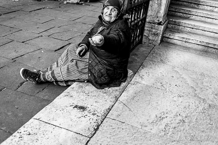 A beggar out of the Chiesa dei Capuccini at Santa Maria Immacolata in via Veneto. Nikon D810, 35 mm (35.0 mm ƒ/2) 1/160 ƒ/3.5 ISO 250