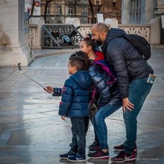 Marking their presence on the Vittoriano. Nikon D810, 24 mm (24-120.0 mm ƒ/4) 1/200 ƒ/13 ISO 8000
