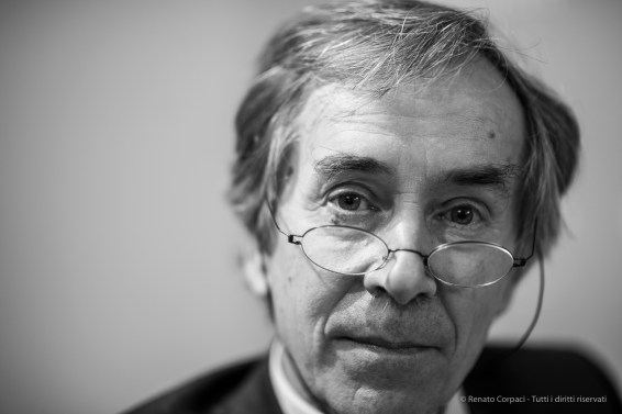 "Bernard Aikema, curator, history of modern art professor, Università di Verona. Milano, Fefruary 2018. Nikon D810, 85 mm (85.0 mm ƒ/1.4) 1/80"" ƒ/1.4 ISO 320"