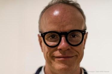 """Hans Ulrich Obrist, art curator, critic and historian of art. Milano, April 2018. Nikon D810, 85 mm (85 mm ƒ/1.4) 1/125"""" ƒ/1.4 ISO 1400"""