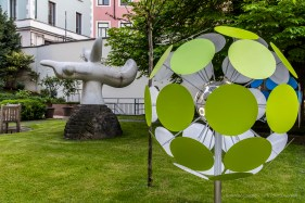 "Luca Trazzi, Dandalion; Joan Miró, Oiseau (Oiseau Solaire) 1968. Palazzo Anguissola Traversi. Milano Design Week, April 2018. Nikon D810, 34 mm (24-120 mm ƒ/4) 1/6"" ƒ/8 ISO 64"