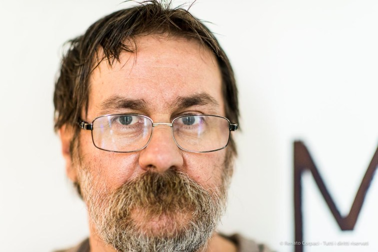 "Dan Perjovschi, artist, Bergamo, giugno 2018. Nikon D810, 85 mm (85 mm ƒ/1.4) 1/125"" ƒ/1.4 ISO 1400"