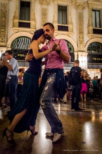 An evening of Tango in the Milano, Galleria Vittorio Emanuele II, June 2018. Nikon D810, 24 mm (24-120 mm ƒ/4) 1/125 mm ƒ/4 ISO 12800