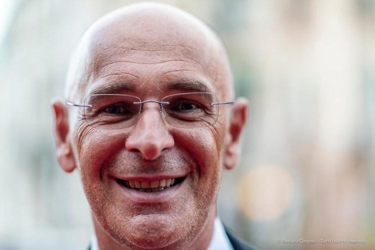 """Otello Bergamo, vice-sindaco di Jesolo. Venezia, settembre 2018. Nikon D810, 85 mm (85 mm ƒ/1.4) 1/200"""" ƒ/1.4 ISO 280"""