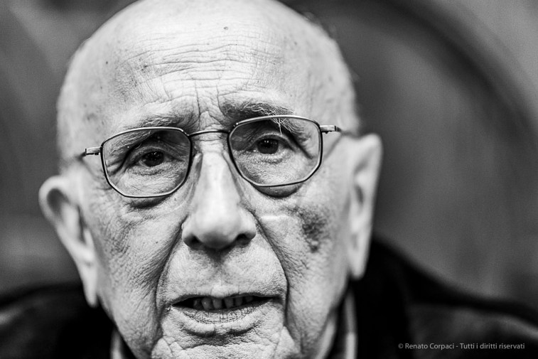Franco Fontana, photographer. Como, April 2019. D810, 85 mm (85 mm ƒ/1.4) 1/125 ƒ/1.4 ISO 1250