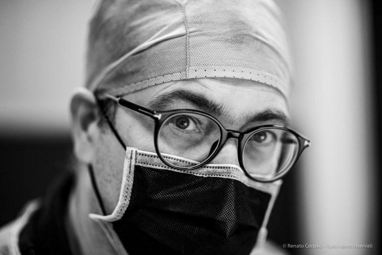 "Marco Pietro Zambelli, odontologist, dental hygienists. Milano, April 2020. Nikon D810, 85 mm (85 mm ƒ/1.4) 1/125"" ƒ/1..4 ISO 360"