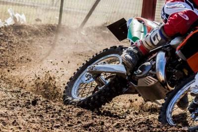 Dettaglio ruota motocross