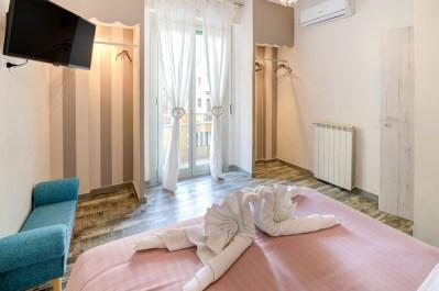 Foto camera da letto appartamento Sanremo