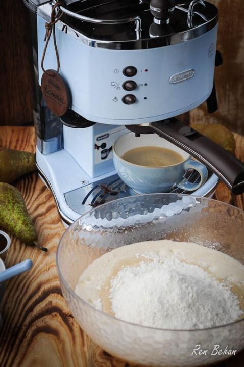 DeLonghi Coffee Machine Cake