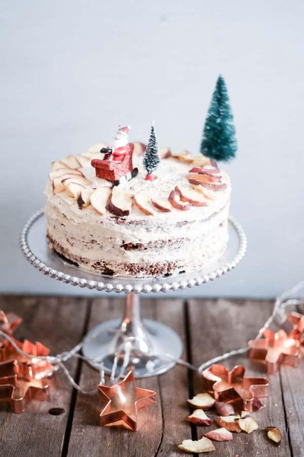 easy-christmas-cake-crunchy-apple-crisps-4