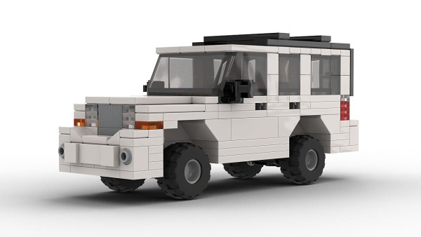 LEGO Jeep Commander model front view