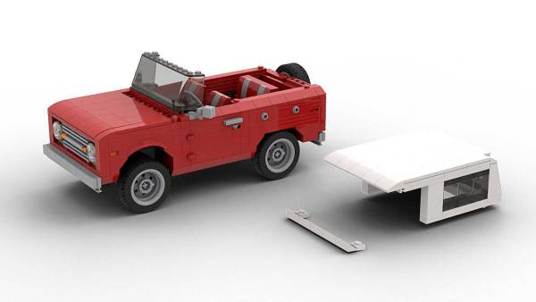 LEGO Ford Bronco removable roof model