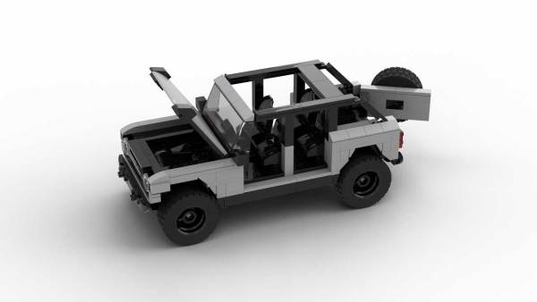 LEGO Ford Bronco 2021 4-door model with opening parts