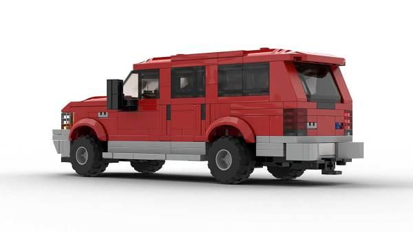LEGO Ford Excursion model rear