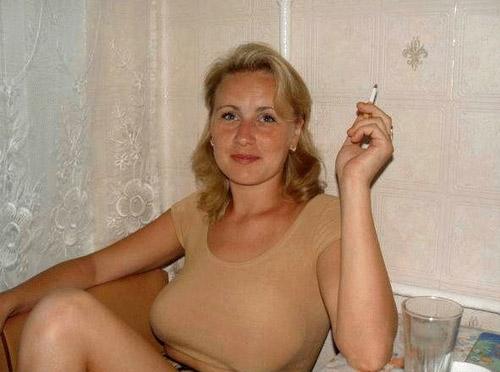 Sexe entre russe devant une bande de potes - 1 part 4