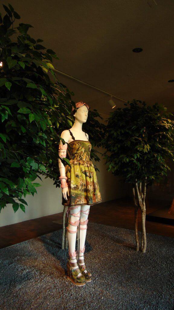 Heavenly Bodies At the Met Cloisters, Rendezvous En New York