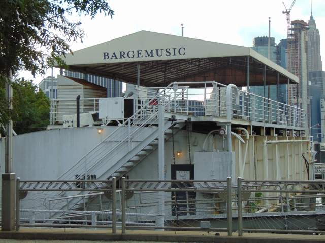 Bargemusic in NYC Rendezvous En New York
