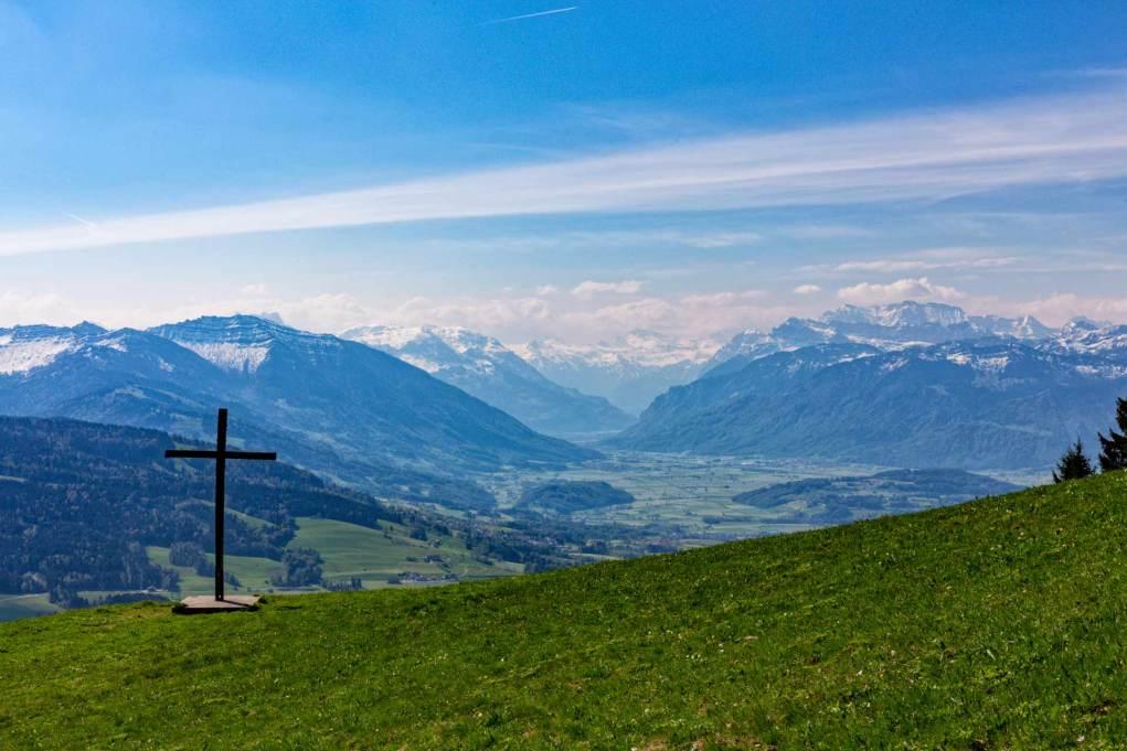 Schöner Ausblick in die Bergwelt