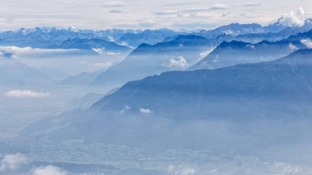 Tolle Aussicht auf die Bergwelt von Österreich