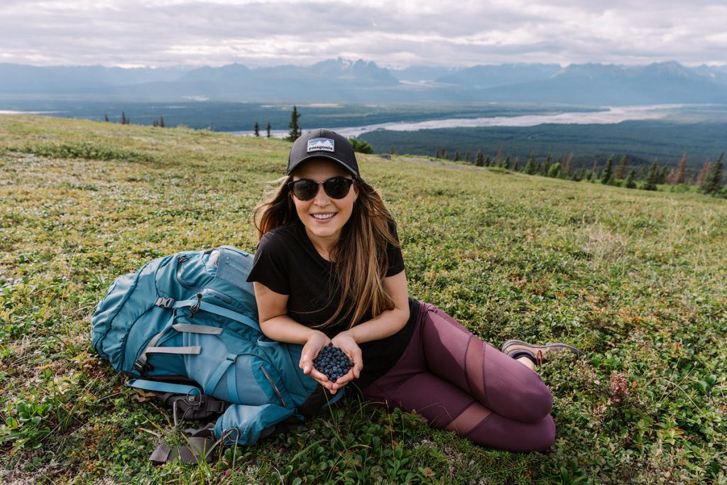 Traveling with Acne - Dealing with Airplanes Hiking and Camping - Renee Roaming 1