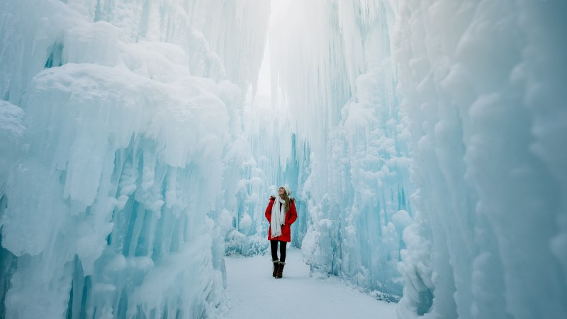Edmonton-Ice-Castles-Alberta-Winter-Renee-Roaming