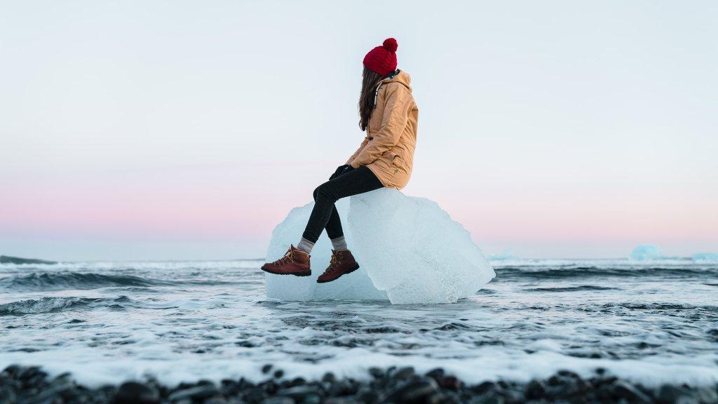 Renee-Roaming-Adventure-Photography-Iceland