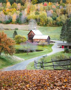 New England Fall Road Trip Ultimate Itinerary Renee Roaming Sleep Hollow Farm 2 Vermont