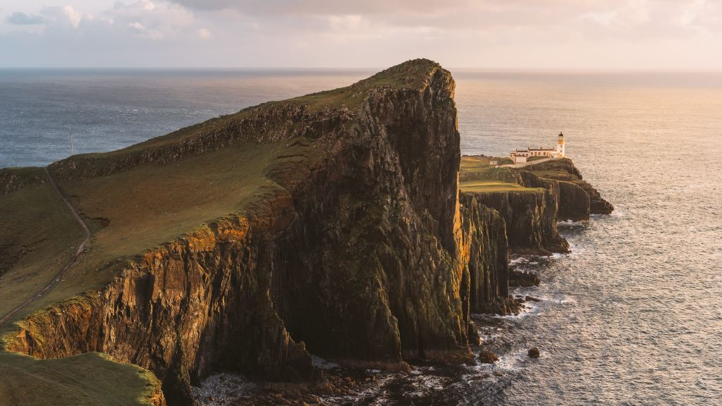Epic-Isle-of-Skye-Photography-Locations-Renee-Roaming-Neist-Point-BANNER