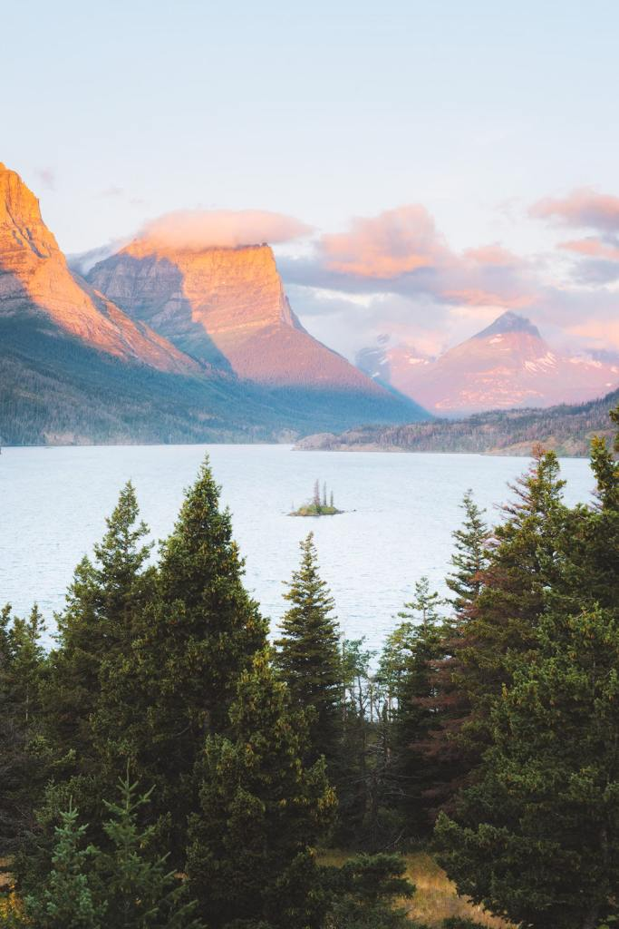 12 Best National Parks To Visit In The Fall - Glacier National Park