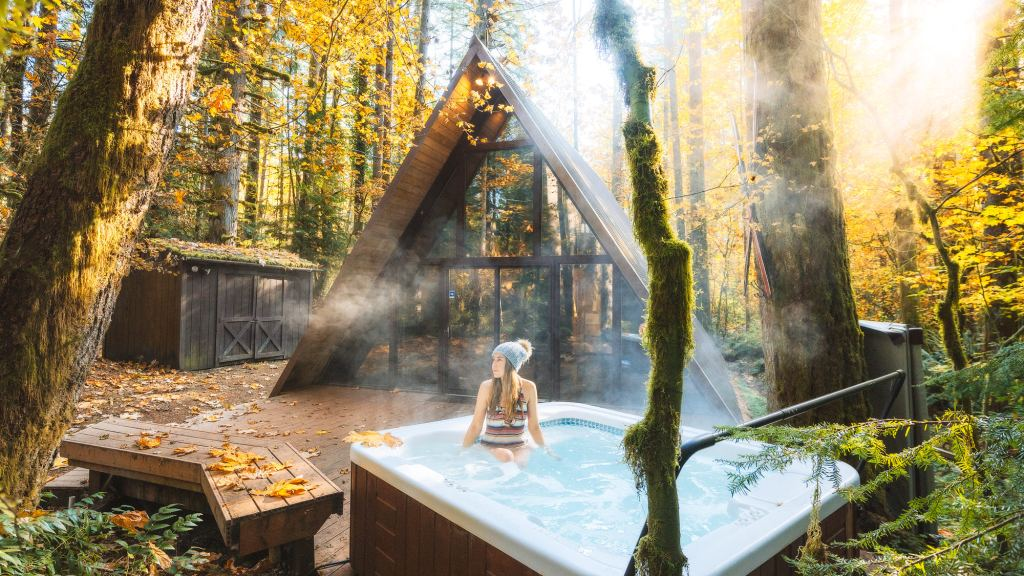Cozy Cabins and Tree Houses to Rent in Washington - Sky Haus Hot Tub Fall