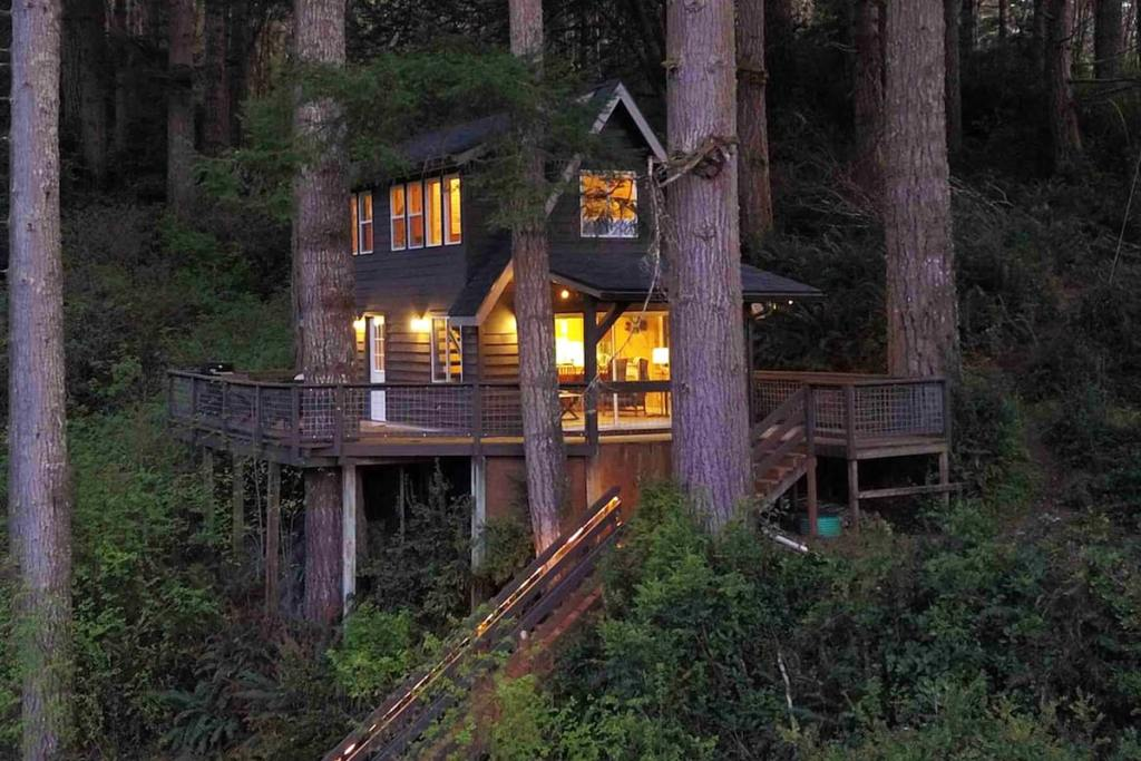 24 Dreamy Oregon Cabins You Can Rent - Cabin In The Trees