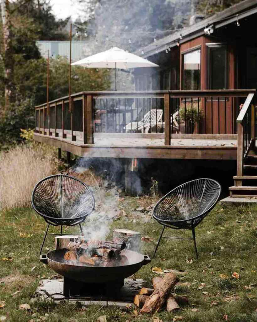24 Oregon Cabins You Can Rent - Mid Century Riverfront-Cabin