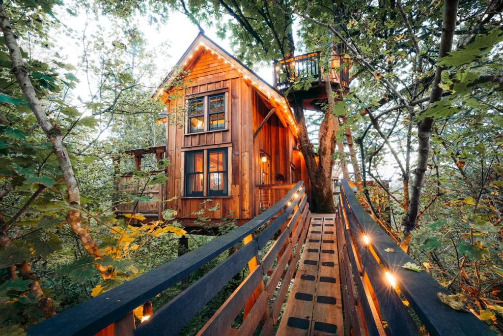 Best Pacific Northwest Treehouse Rentals - Pete Nelson Original Tree House Bridge