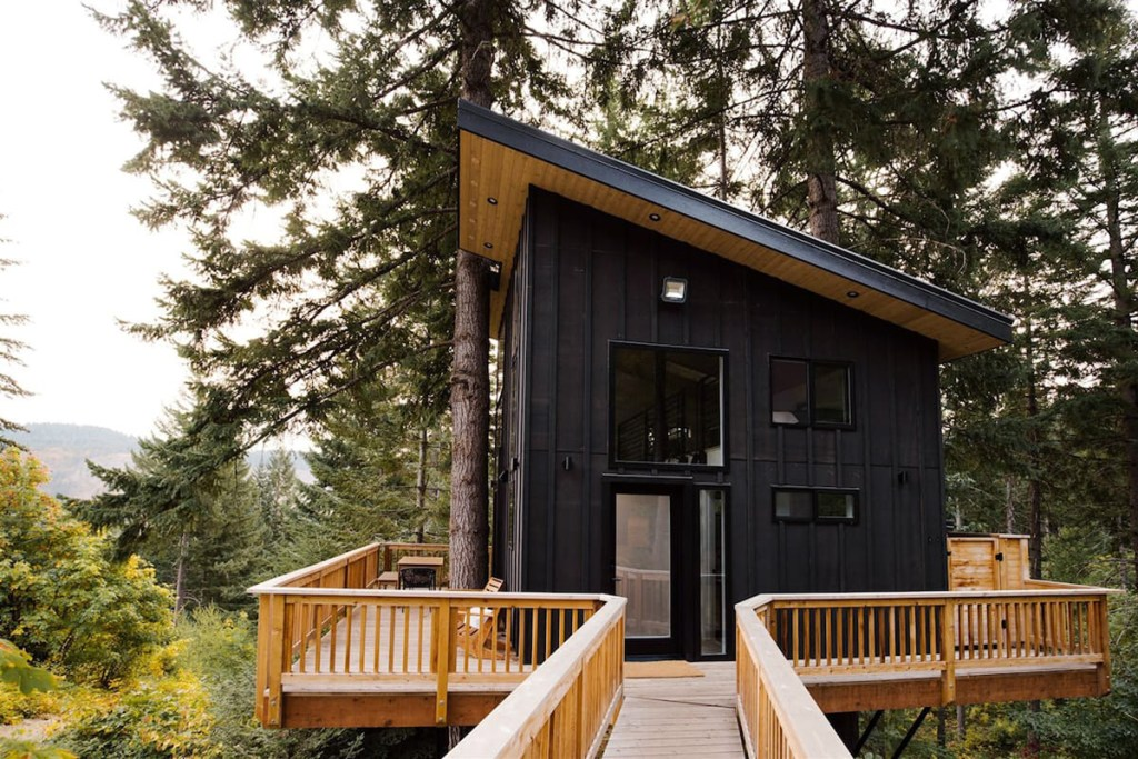 Magical Pacific Northwest Treehouse to Rent - Klickitat Treehouse