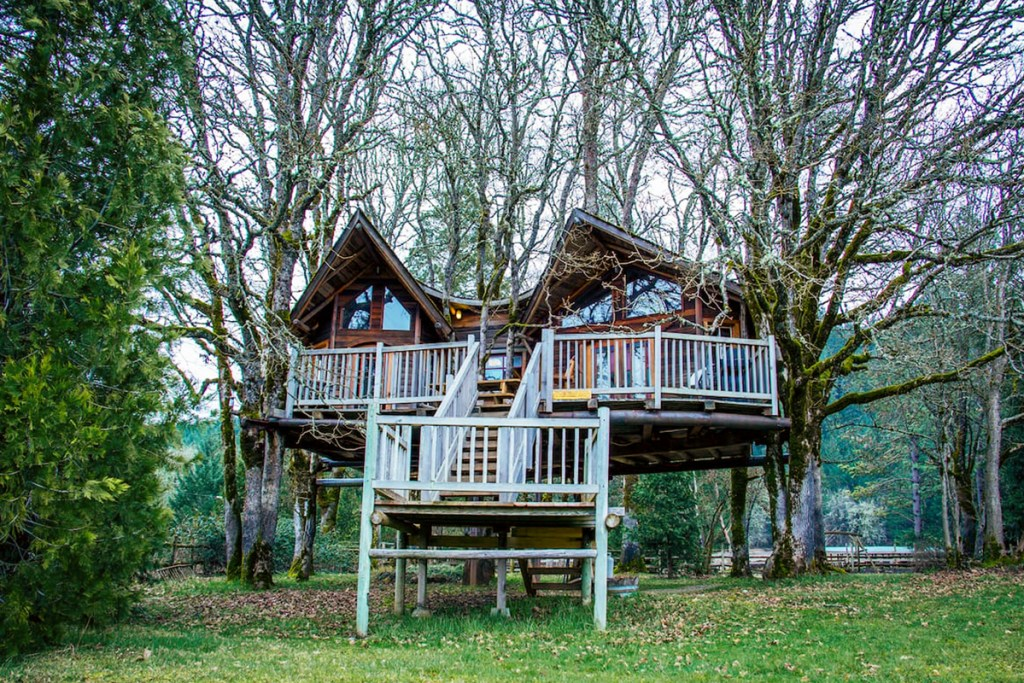 Oregon Treehouses for Rent - Schoolhouse Treehouse