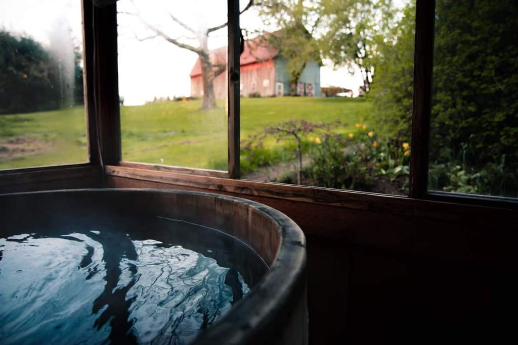 Stay on an Organic Farm in Oregon - Glamping Cabin Oregon with Hot Tub