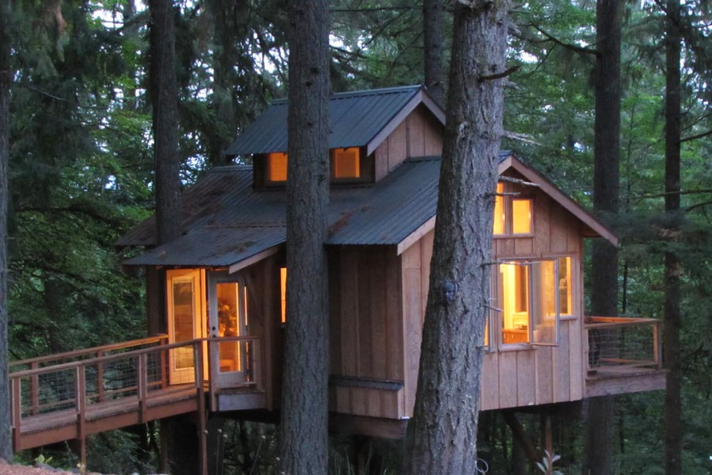 Treehouses To Rent In Oregon - Deer Haven Oregon Treehouse